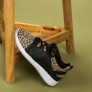 NIB Qupid Leopard Nacara Sneaker 9 8.5